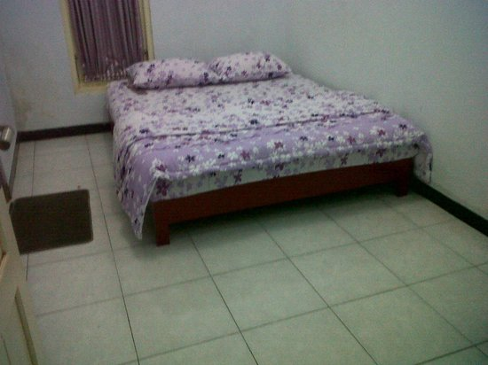 Wisma Thamrin 11:                                     Double bed