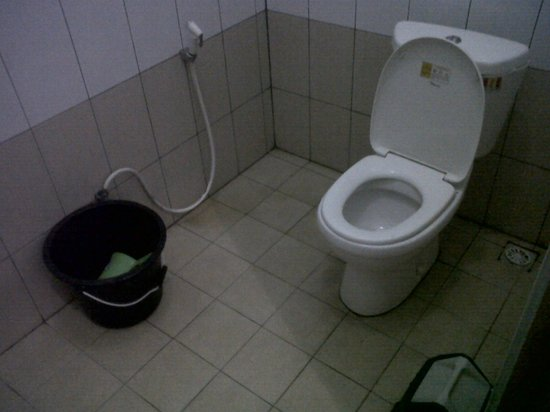 Wisma Thamrin 11:                                     Bathroom