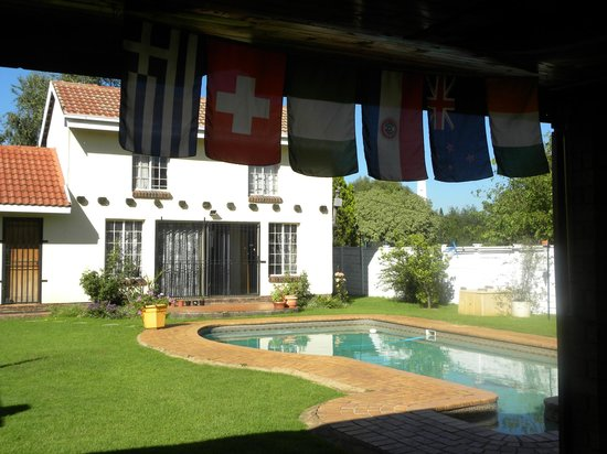 Bob's Bunk House:                   View to the Pool & Courtyard from dining room