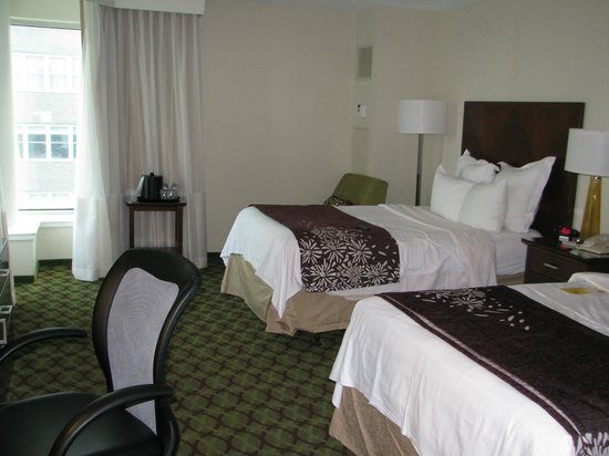 Philadelphia Marriott Downtown:                   double room