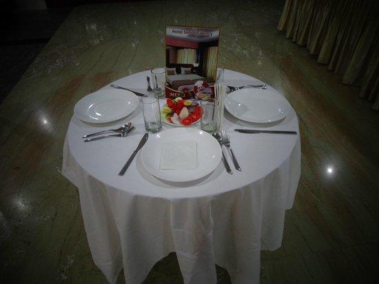 Hotel Sohi Residency: Restaurant