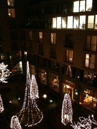 Le Meridien Munich: view of the courtyard from our room
