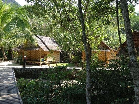 Bananas Bungalows: our bungalow