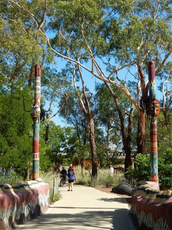 Werribee Open Range Zoo: Tall Totems