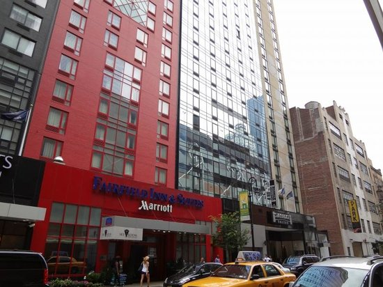 Staybridge Suites Times Square - New York City:                   外観