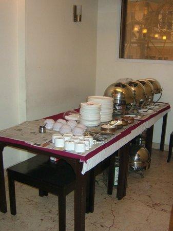 Bonlon Inn : Buffet table