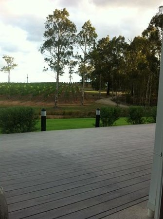 RidgeView Restaurant,Wines & Cottages:                   A winding track to tranquility