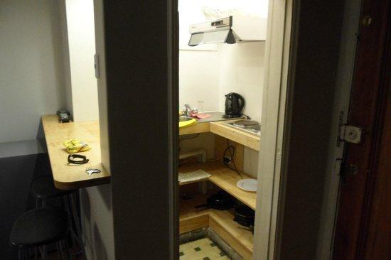 Hostal de la Barra:                   mini cozinha do quarto