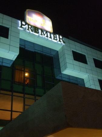 Best Western Premier Accra Airport Hotel: Hotel sign