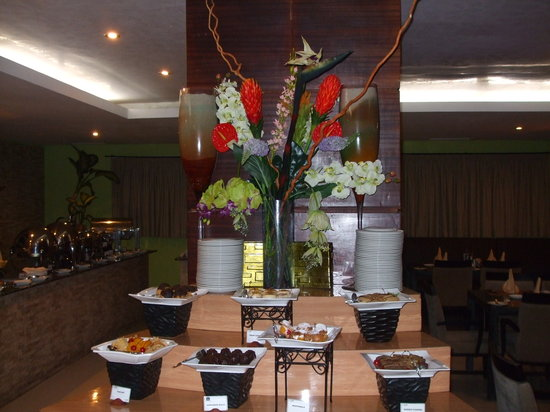 Best Western Premier Accra Airport Hotel: Lovely display