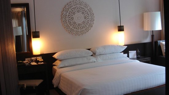 Movenpick Asara Resort & Spa Hua Hin:                   Master brm, charming room overlooking pool, comfy bed and great linen