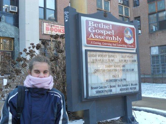 Bethel Gospel Assembly :                   mucho frio en diciembre, pero una visita unica