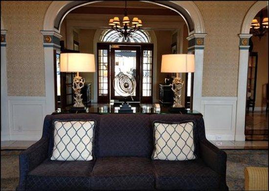 Grande Colonial La Jolla:                   Hotel / Lobby sitting area