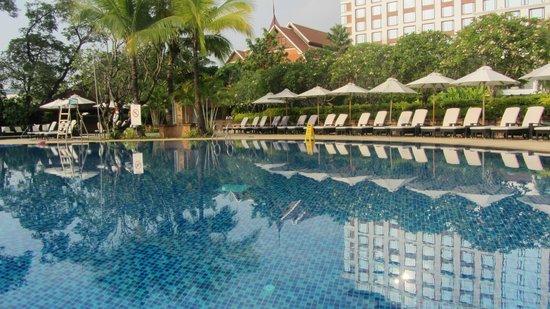 Shangri-La Hotel, Chiang Mai: Never crowded pool