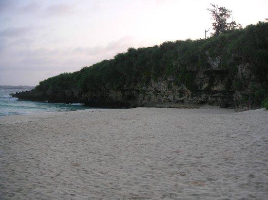 Sunayama Beach:                   砂山ビーチ