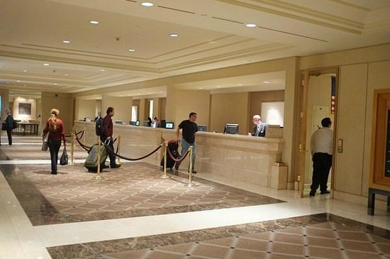 Hilton Los Angeles Airport:                   Front Desk