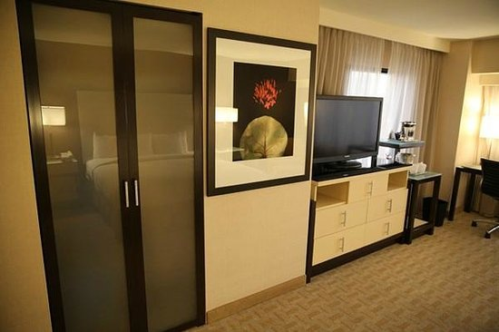Hilton Los Angeles Airport:                   Room