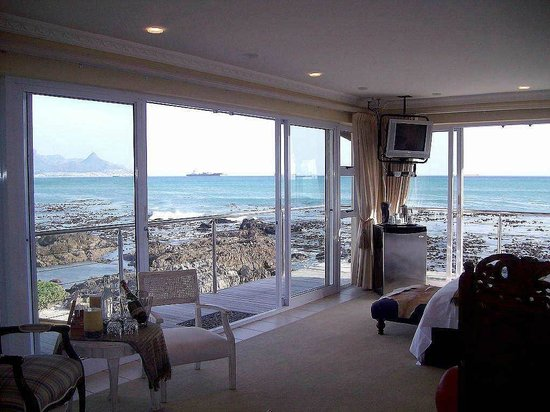 Pinard on Sea: The Mid Tide Beach Suite