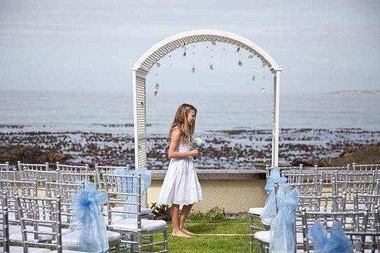 Pinard on Sea: Beach Garden Wedding