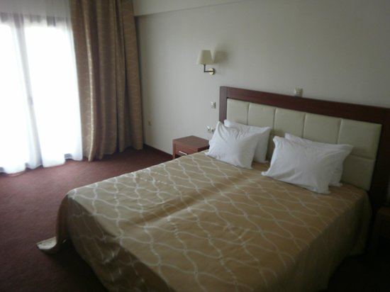 Serres, Greece:                   big room