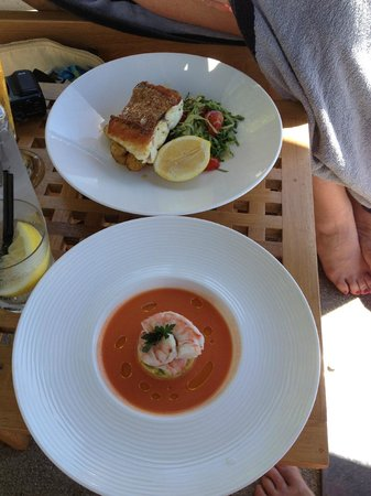 Qualia Resort: Lunch poolside at Pebble Beach