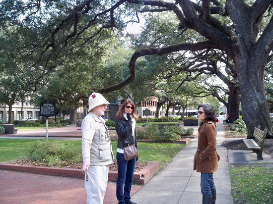 Savannah Walking Tours with Tony Higgins:                   Stories in a Square