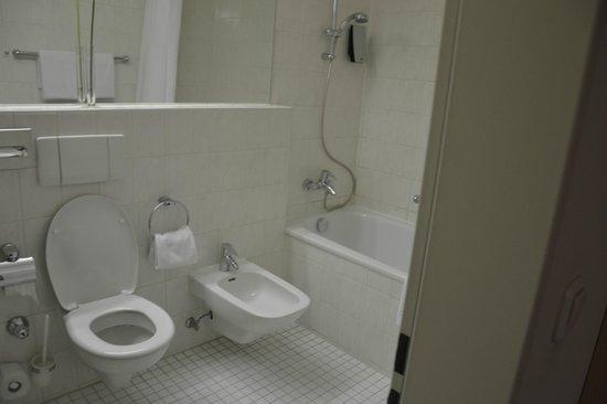Senator Hotel:                   Ванная комната