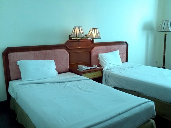 Phnom Penh Hotel:                   Bedroom -