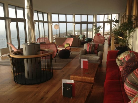 Polurrian Bay Hotel:                   Vista Lounge