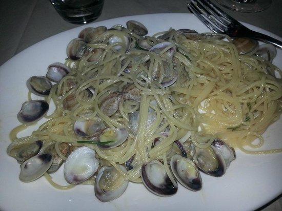Casa Azzurra: Spaghetti, vongole e rosmarino