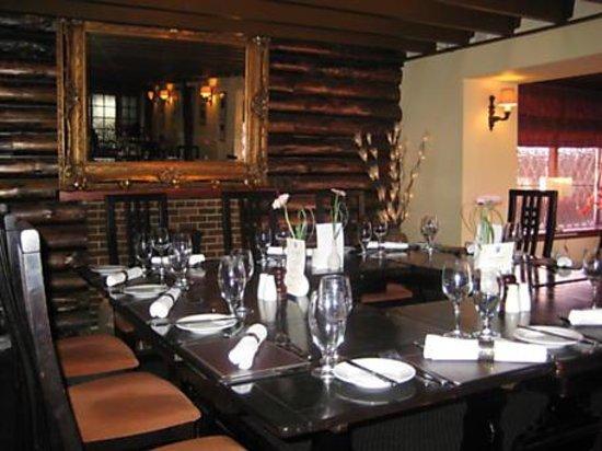Uplawmoor Hotel:                   restaurant