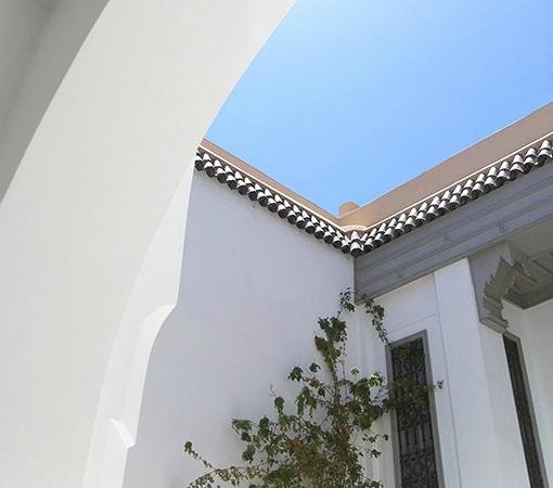 Riad Snan13: sky and white