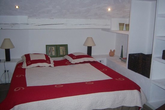 Auberge de La Poulciere:                   Junior suite