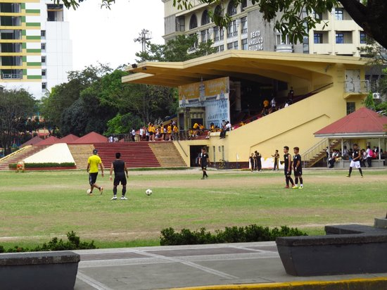 Universitetet i Santo Tomas: Football fields