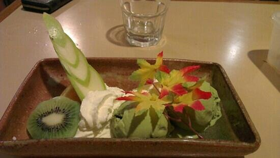 Yume Japanese Restaurant:                   my favourite green tea ice cream with fruits