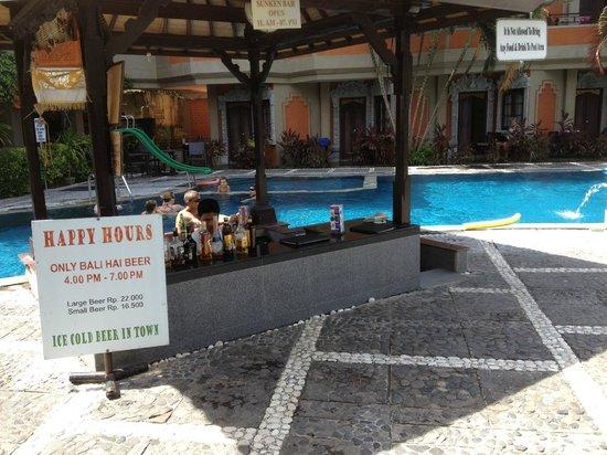 Adi Dharma Hotel: Pool Bar