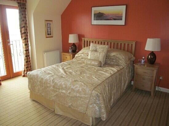 Bankhead Farm:                   Room 7