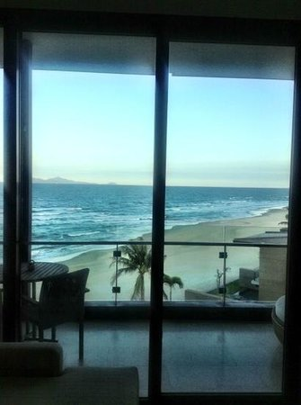 Hyatt Regency Danang Resort & Spa :                   Sand was white.. photo not great. ocean front room.