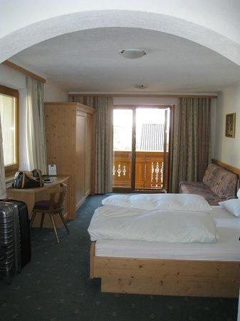 Hotel Jägerhof:                   VUE PARTIELLE DE LA CHAMBRE