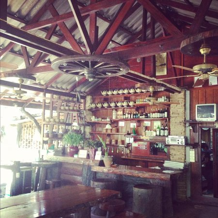 Ban Huay Ulong Resort:                   Bar/Resto