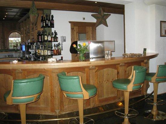 Hotel Jägerhof:                   LE BAR