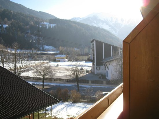 Hotel Jägerhof:                   LA TELECABINE TOUT A COTE DE L'HOTEL