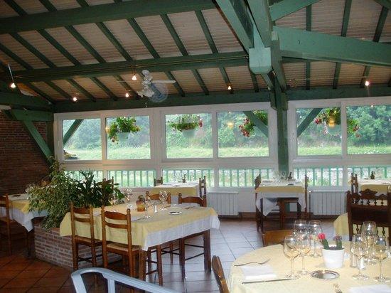 Hotel de la Tour: salle du restaurant