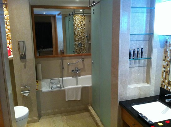 Sankara Nairobi: high quality bathroom