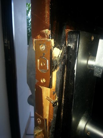Coral Costa Caribe Resort & Spa:                   The lock on the door of our room after 2 complains (and repairs) to the recept