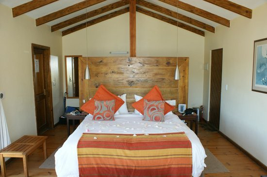 Elephant Hide of Knysna Guest Lodge: Komfortable Zimmer
