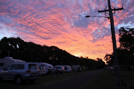 Bargara Beach Caravan Park:                   Sunset over Bargara Caravan Park