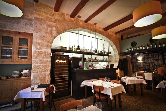 Where to Eat in Montpellier: The Best Restaurants and Bars