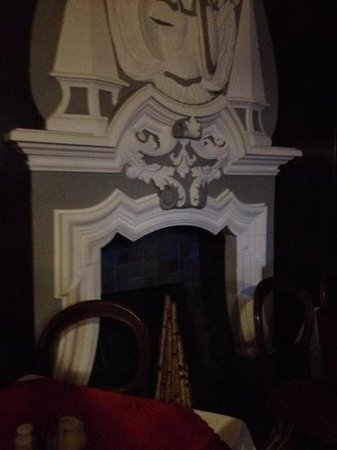 Czocha Castle Hotel:                   the fireplace in the restaurant