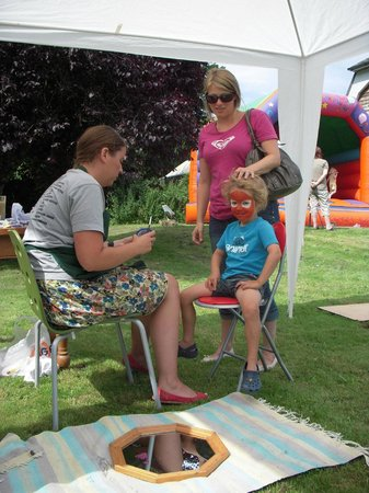 Ben's Organic Farm Shop and Cafe: Face Painting at our summer fun day